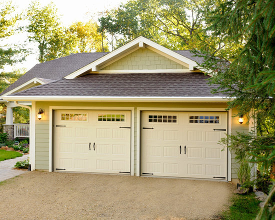 Cottage style garage doors how to make a garage door for Cottage style garage plans