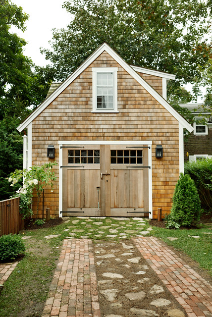 9 Howard Street - Nantucket beach-style-garage