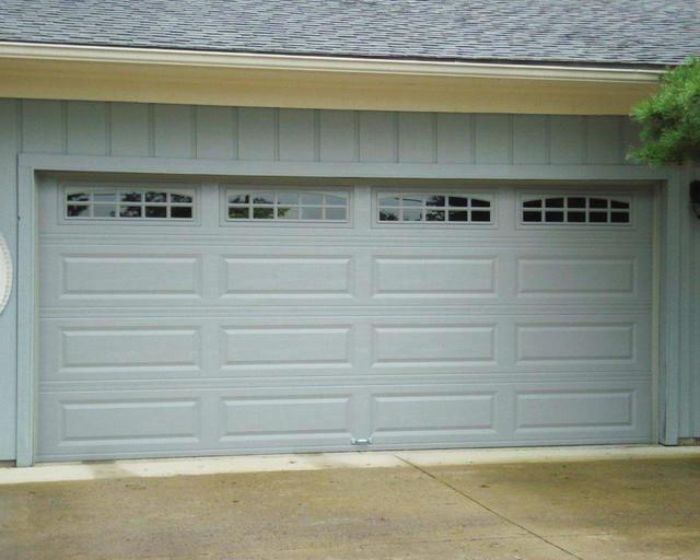 C H I 4283 Raised Long Panel Traditional Garage