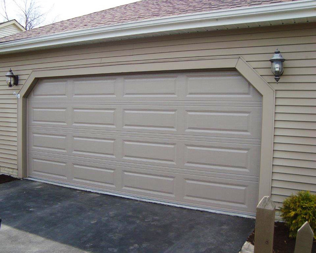 Chi 4283 Raised Long Panel Traditional Garage Columbus By
