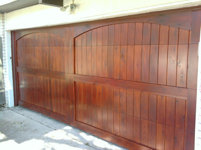 Cedar wood overhead garage doors traditional garage for Cedar park overhead garage doors