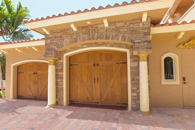 Clopay garage doors for Clopay wood garage doors