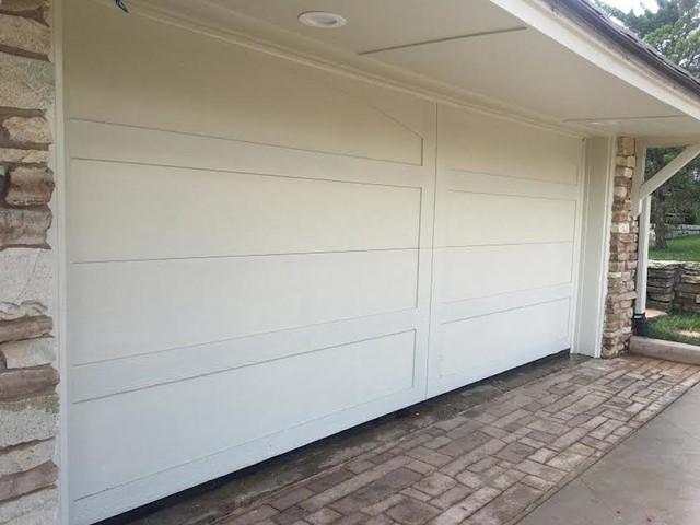 Custom smart trim traditional garage oklahoma city for Garage door repair edmond ok