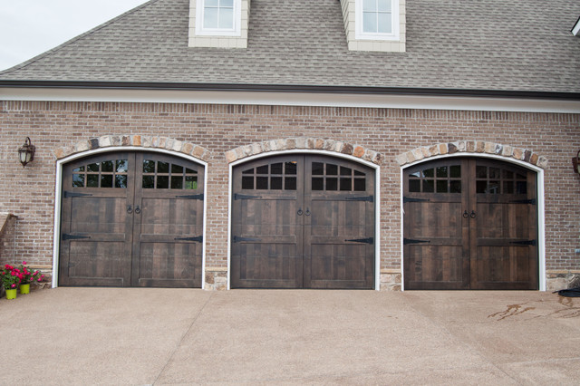 Custom wood garage doors arts crafts garage dallas for Arts and crafts garage