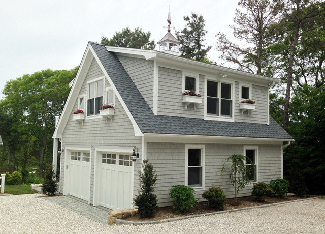Garage Mid Sized Traditional Detached Two Car Idea In Boston
