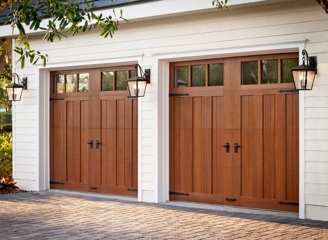 Doe cool energy house florida traditional garage for Garage doors orlando fl