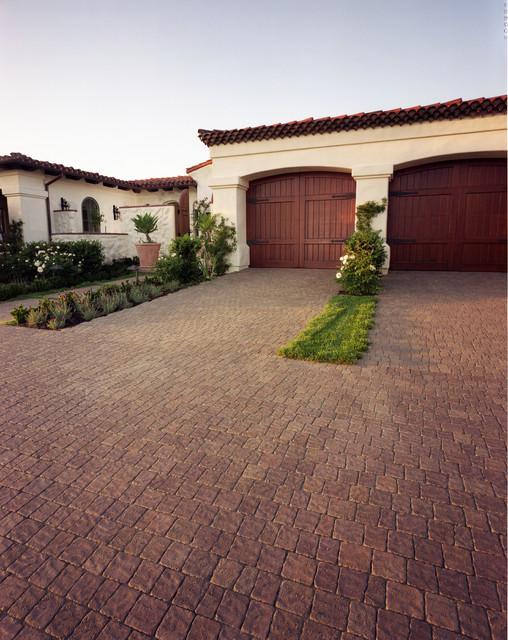 Driveways mediterranean-garage-and-shed