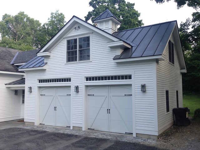 Eagle Ridge traditional-garage-and-shed