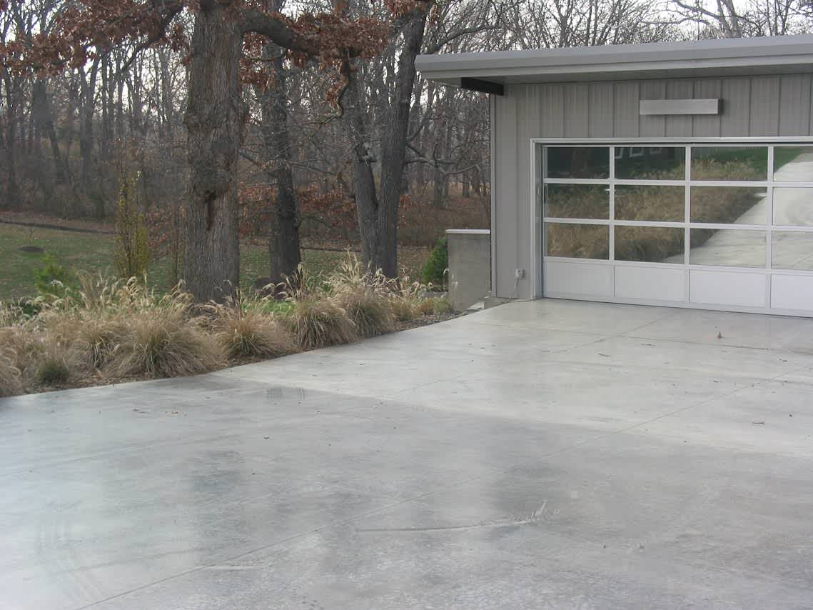Exterior Driveway Landscaping