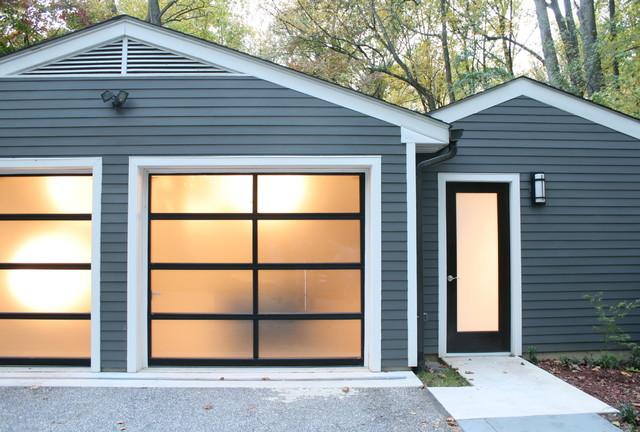 Garage modern garage and shed for Translucent garage doors
