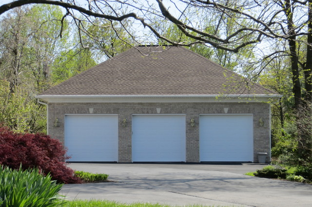 Home Car Garage with Lift traditional-garage-and-shed