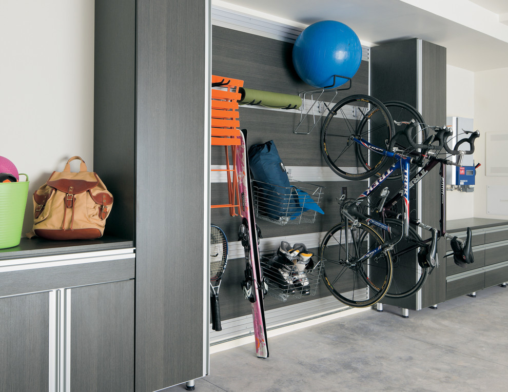 Garage - modern garage idea in San Francisco