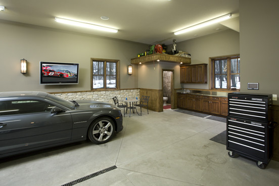 Example Of A Large Clic Detached Two Car Garage Work Design In Minneapolis