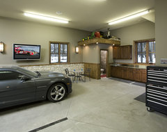 Garge and Shed traditional-garage-and-shed