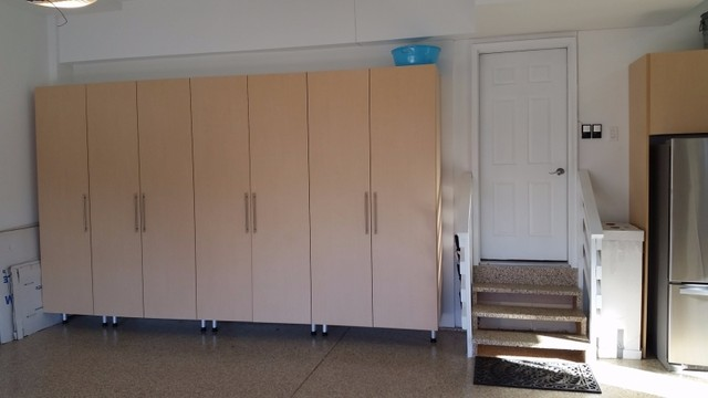 Maple garage cabinets in naperville il contemporary for Premier garage cabinets
