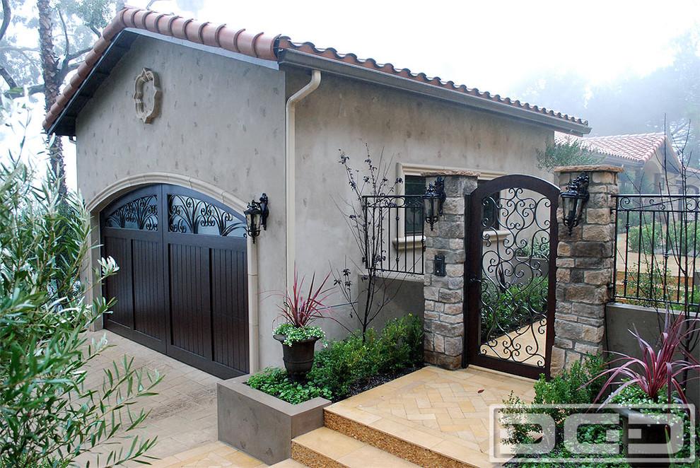 Garage - mid-sized mediterranean detached garage idea in Los Angeles