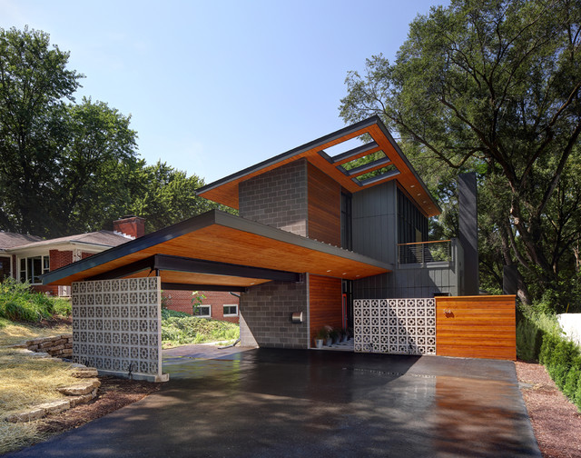 Midvale house contemporary garage milwaukee by for Mid century modern ranch house plans