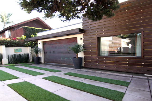 Inspiration for a contemporary attached single garage in San Diego.