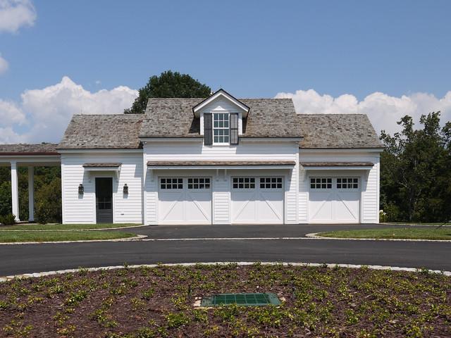 North Georgia Foothills Retreat traditional-garage