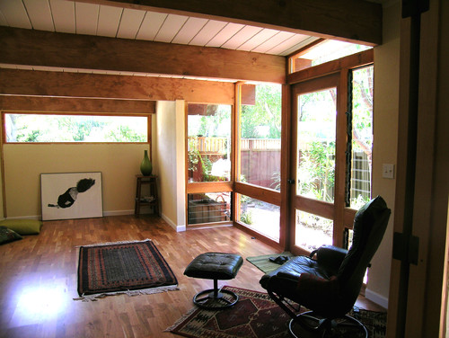 how much does it cost to convert a garage into a living space. Black Bedroom Furniture Sets. Home Design Ideas