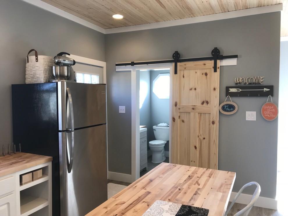 Pool House Apartment New Build - Farmhouse - Garage ...