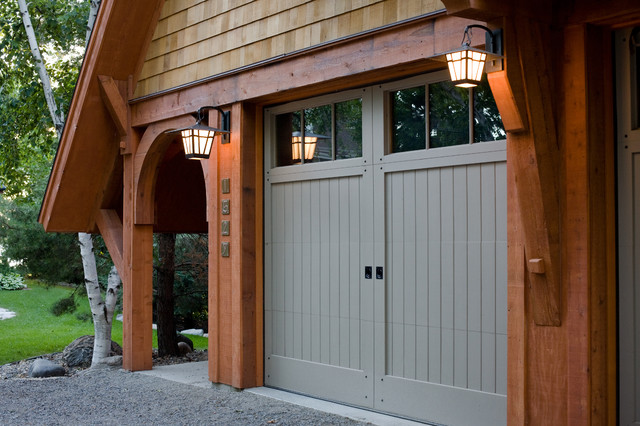 Pulaski carriage house craftsman garage minneapolis for Murphy garage doors