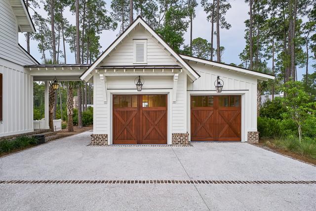 Resort Custom Homes Photo Shoot Country Garage