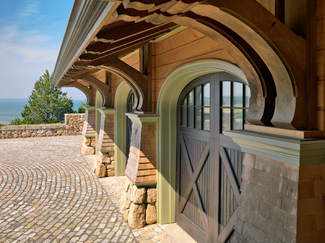 traditional garage and shed by Meyer & Meyer, Inc.