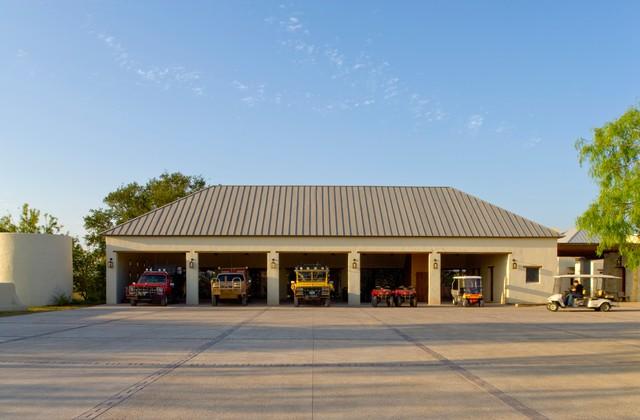 Rustic Hacienda Style Texas Ranch American Southwest Garage