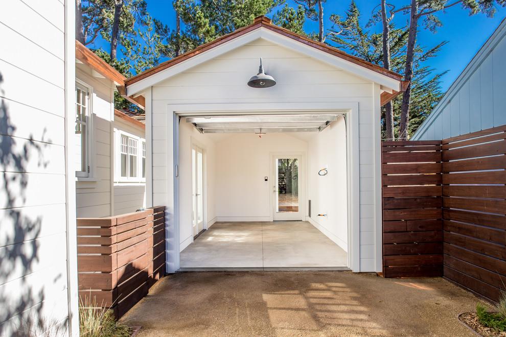 Inspiration for a modern detached one-car garage workshop remodel in San Francisco