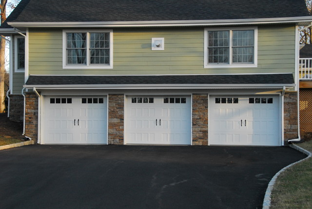 Steel insulated carriage style garage doors farmhouse for Farmhouse garage doors