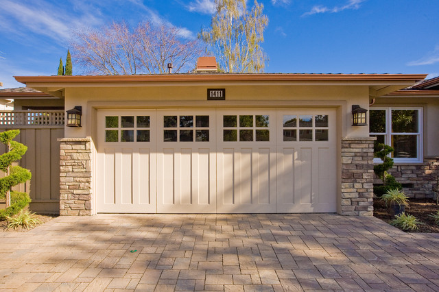 Traditional  Carriage House Garage Door on Ranch Home craftsman-garage