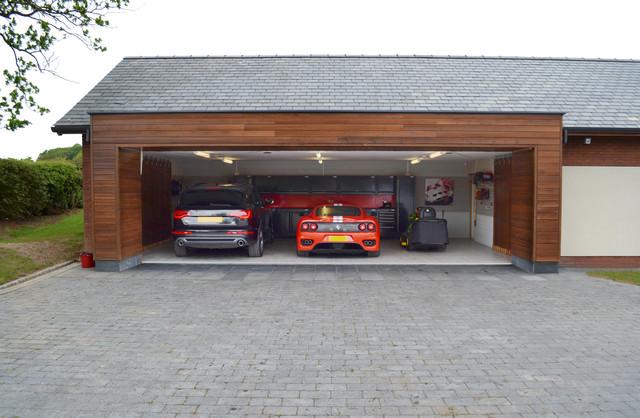 Triple Bay Country Conversionmodern Garage