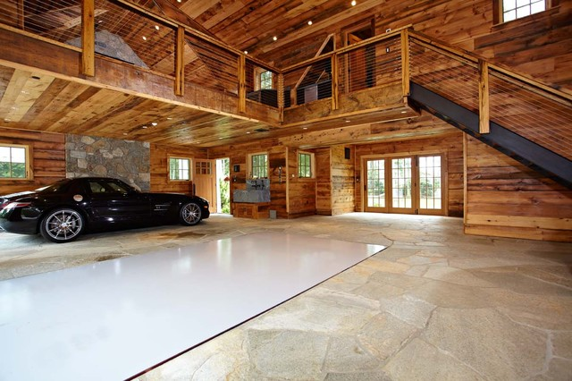 Ultimate man cave and sports car showcase classique for Single car garage man cave
