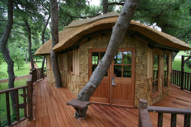 Blue forest tree house for How to build a treehouse roof