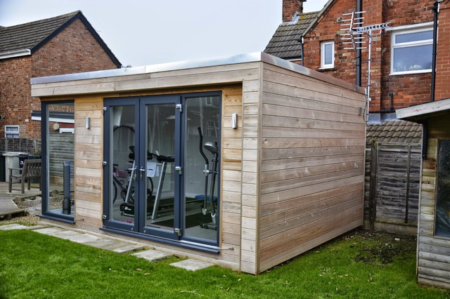 Garden room gym in skegness for Garden gym room uk