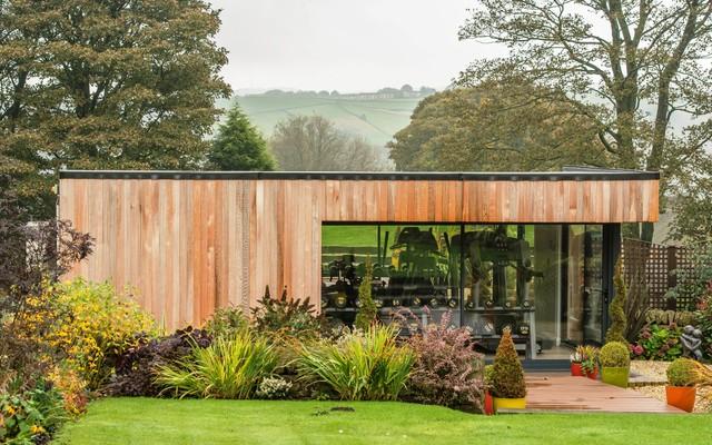 Luxury garden gymnasium and sauna contemporary garden for Luxury garden office