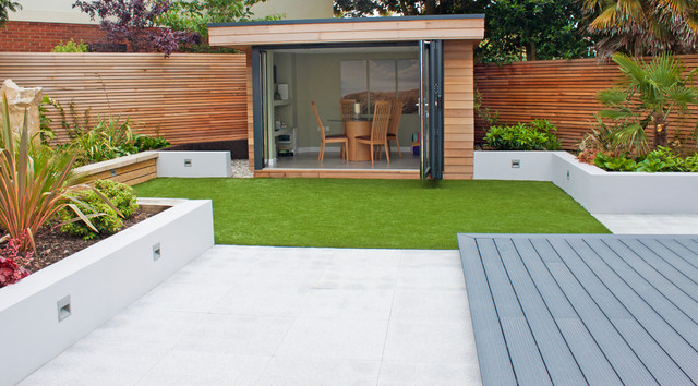 Modern small garden contemporary garden shed and for Small modern house garden design
