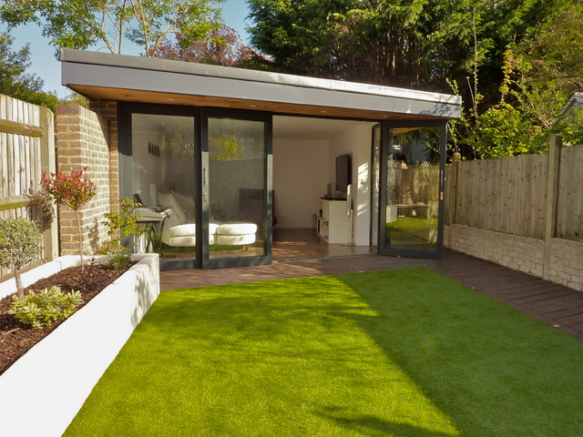 Studio den music room at the bottom of a garden in south for Modern garden rooms london