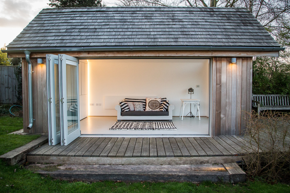 Shed - small traditional shed idea in London