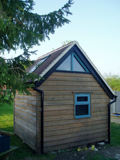 Zzz shed ideal teenagers sleep over shed and office for Traditional garden buildings