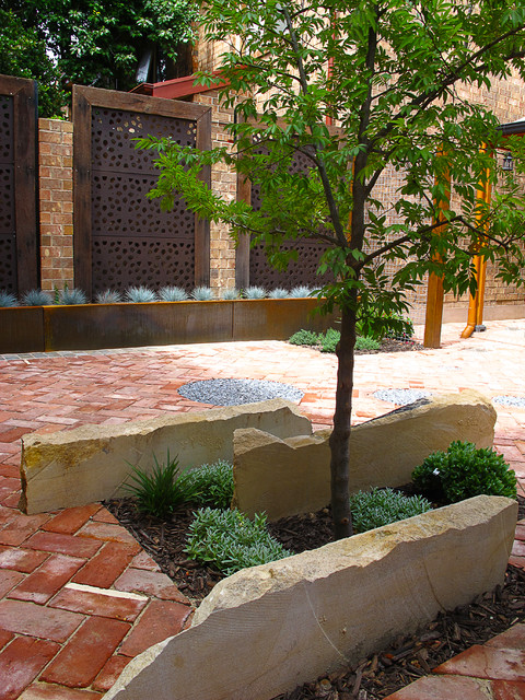 Adelaide courtyard for Outdoor garden designers adelaide