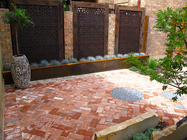 Adelaide courtyard eclectic landscape adelaide by for Courtyard home designs adelaide