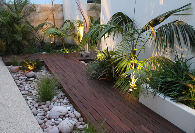 Ascher smith landscape designs tropical landscape for Tropical home garden design