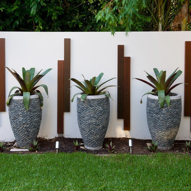 Balmoral tropical landscape brisbane by utopia for Garden designs brisbane