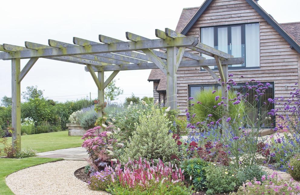 Barn Garden near Romsey, Hampshire - Farmhouse - Landscape ...