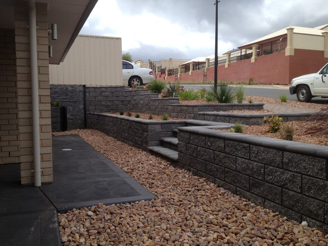Block retaining walls modern garden adelaide by for Retaining wall contractors adelaide