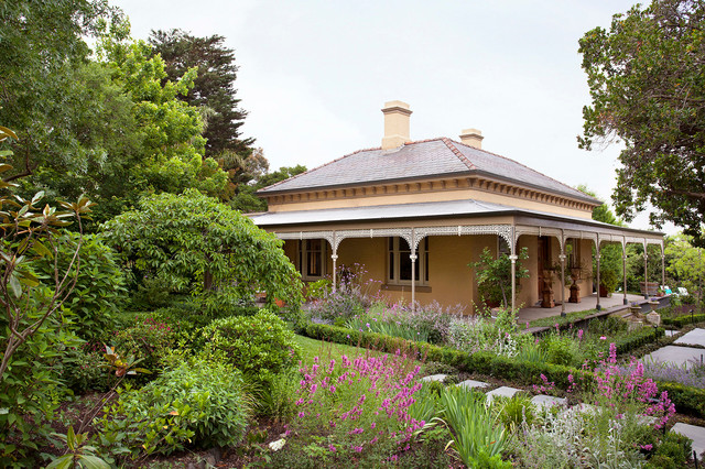 Box hill project traditional garden melbourne by for Barker landscape architects