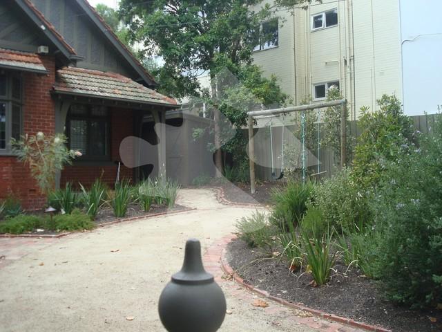 Burns street residential garden for Residential landscape architects melbourne