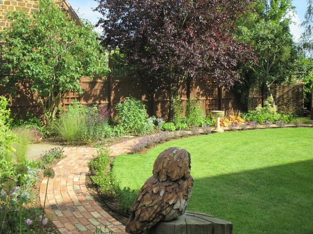 Circular country garden design country garden for Garden design oxfordshire